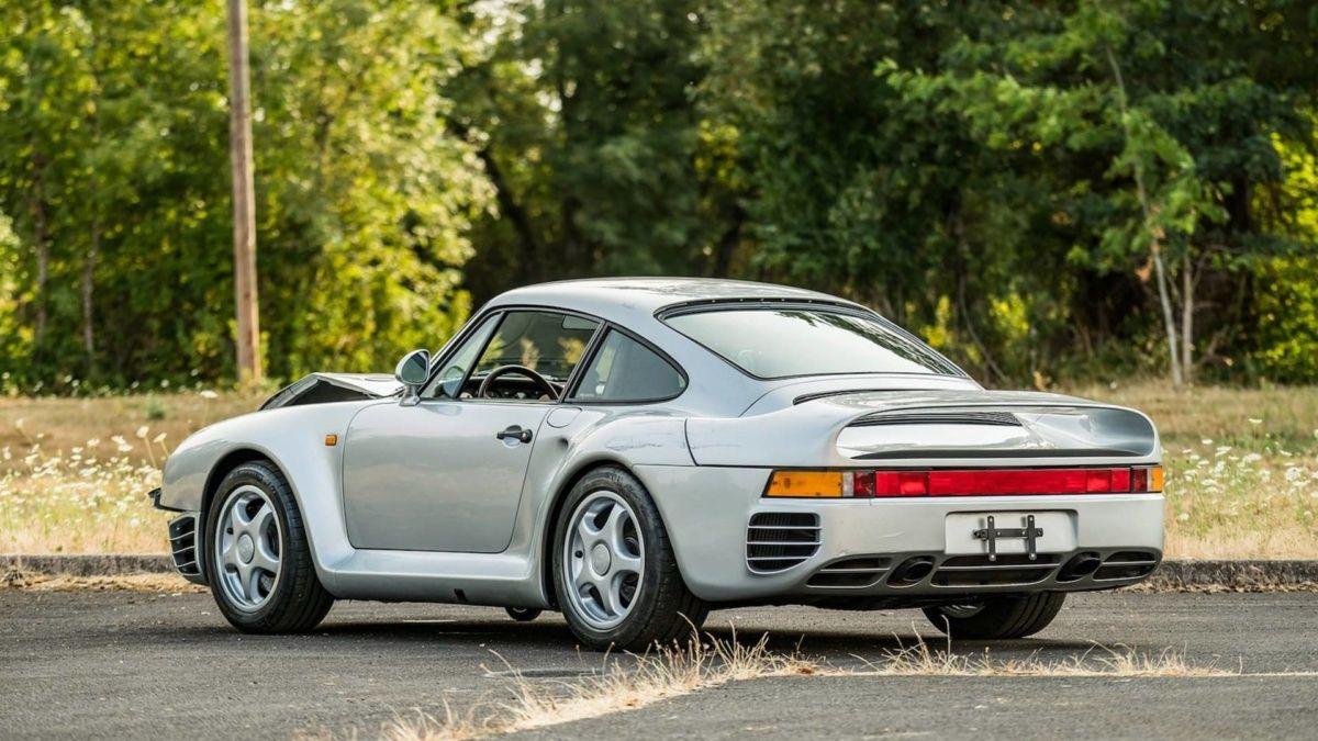 Разбитый Porsche оценили в 500 000 долларов 2