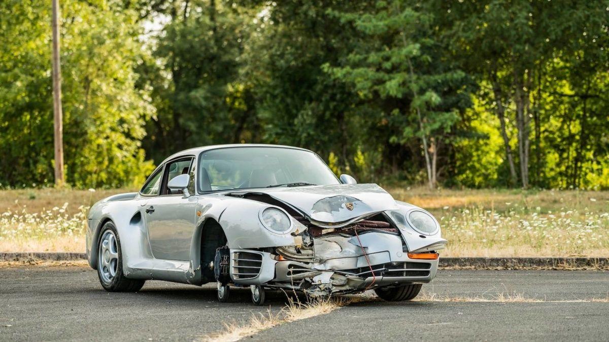 Разбитый Porsche оценили в 500 000 долларов 1