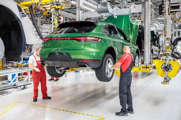 Porsche запустил производство обновлённого Macan 2