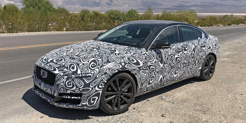 Обновленный Jaguar XE выехал на тесты 1