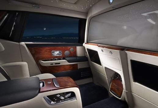 Rolls-Royce дал возможность пассажирам Phantom уединиться 1