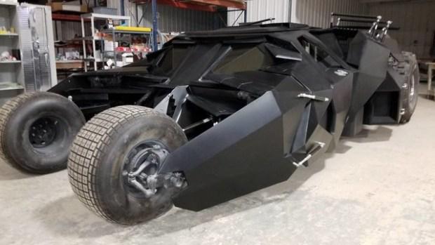 Карбоновый Бэтмобиль продадут за 750 тысяч долларов 1