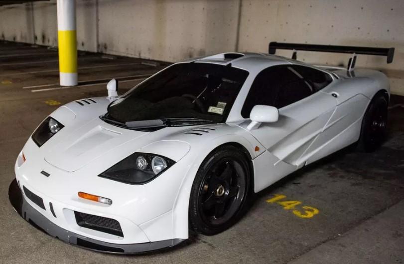 Белый Mclaren F1 продают за 22 миллиона долларов 3