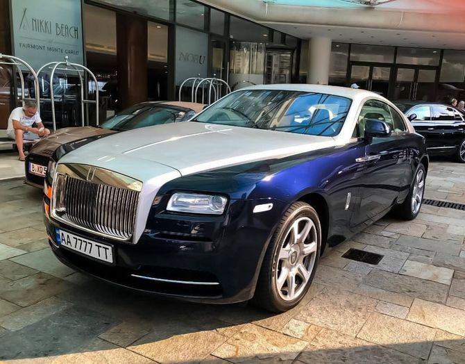 В Монако заметили крутой Rolls-Royce на украинских номерах 1