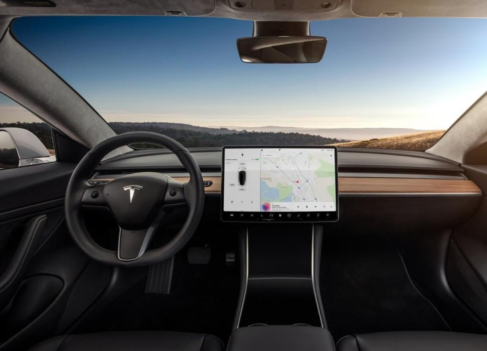 Аналитики считают, что Tesla Model 3 убыточна 2