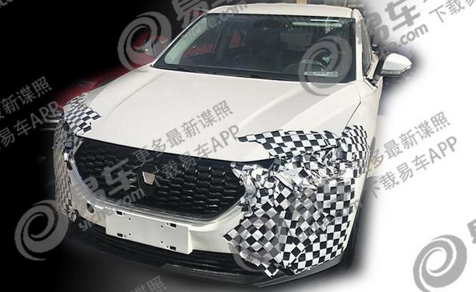 Китайский кросс с дизайном под Hyundai Santa Fe начал сбрасывать камуфляж 1