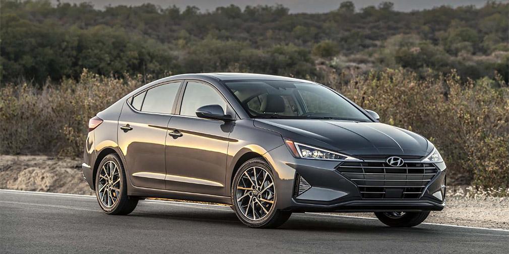 Компания Hyundai представила обновленный седан Elantra 1