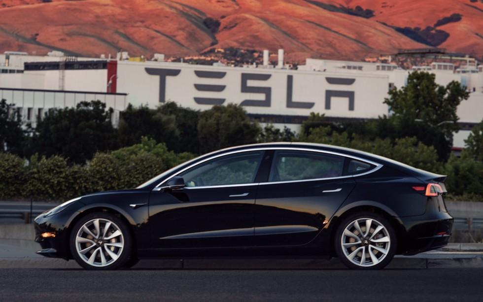 Tesla произвела уже 70 000 электрокаров Model 3 2