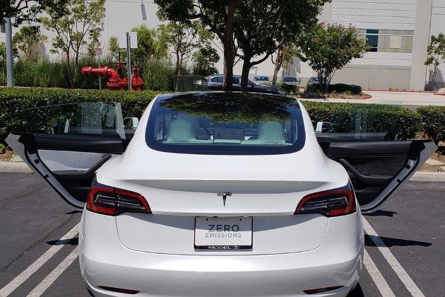 Производство Tesla Model 3 ведётся бесконтрольно 1