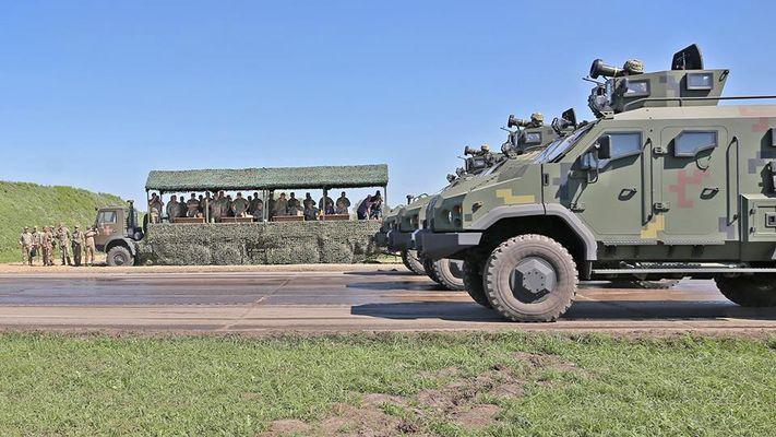Американские ракеты Джавелин уже на украинских бронеавтомобилях 1
