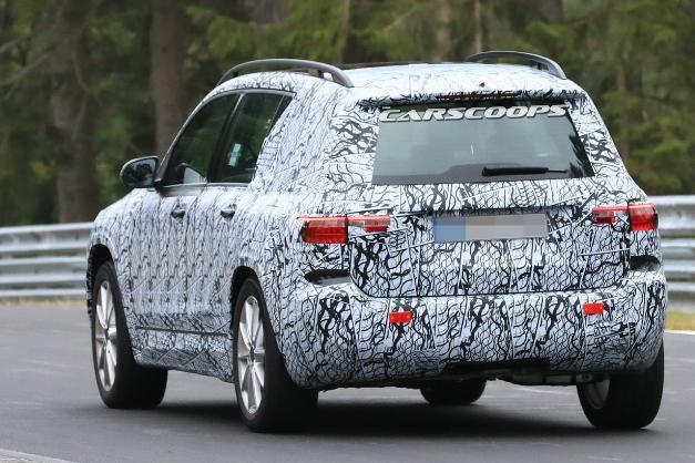 Mercedes вновь засветил модель GLB 2