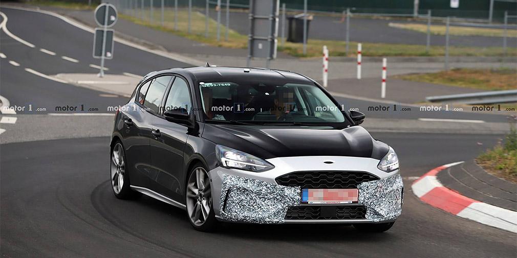 Дизайн спортивного Ford Focus нового поколения рассекретили до премьеры 1