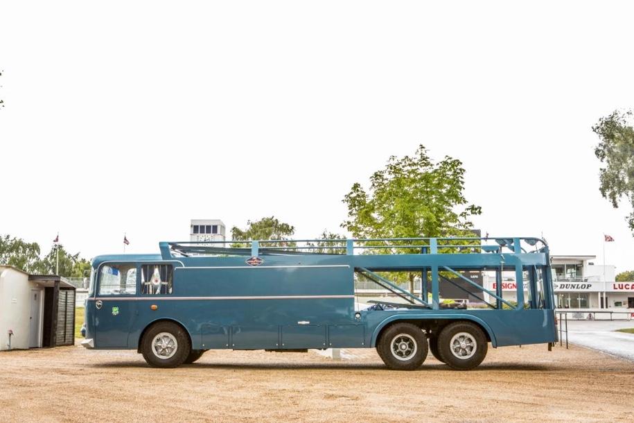 На аукцион выставят грузовик, который возил болиды Maserati 2