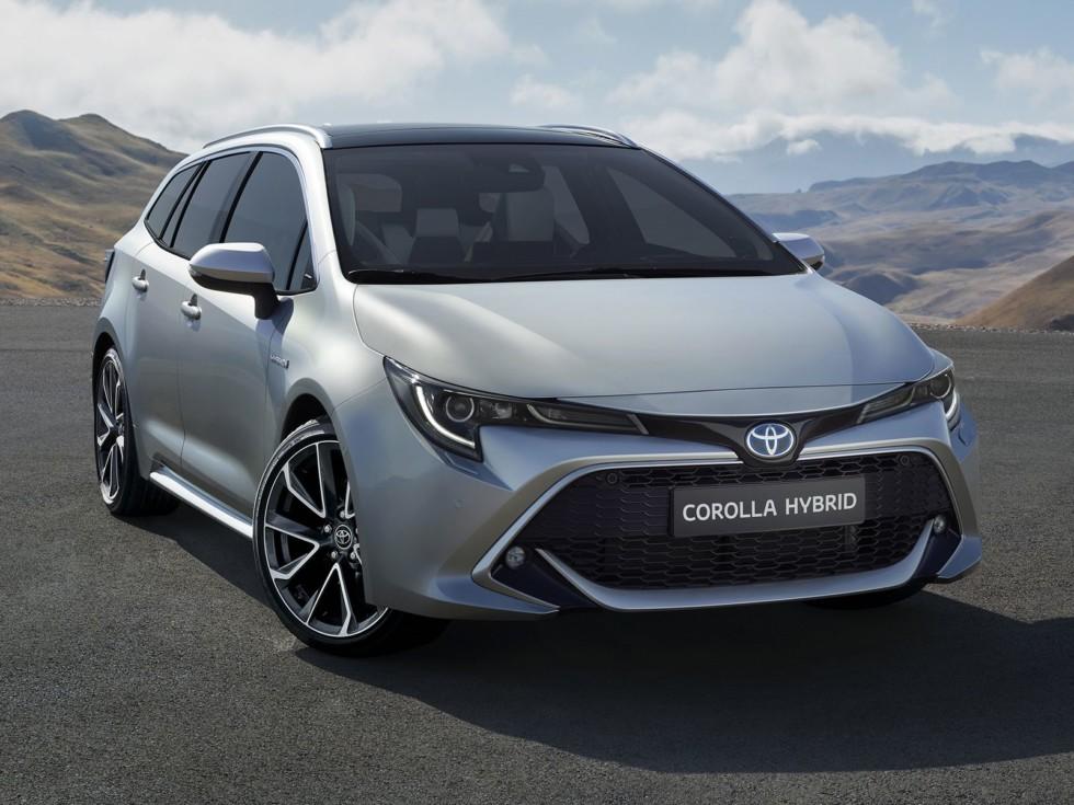 Новая Toyota Corolla Touring Sports: лучший «сарай» для ног 1