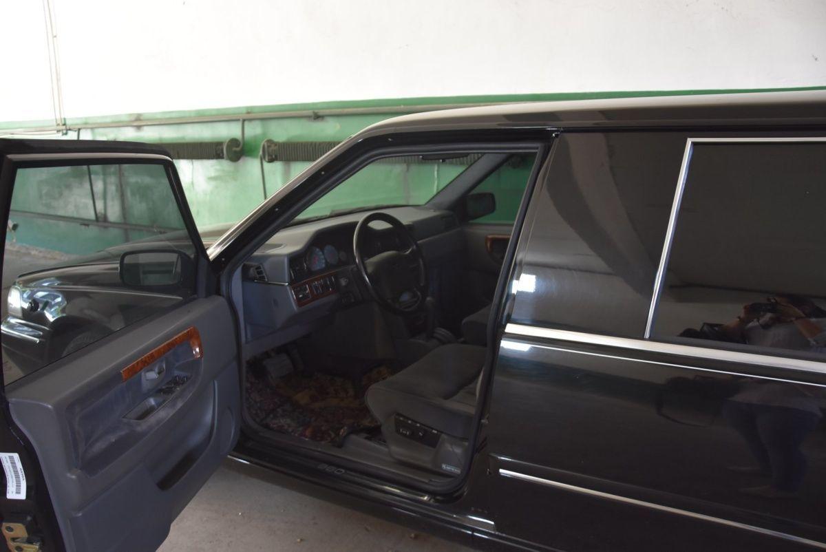 В одесском гараже простаивает редкий лимузин Кучмы 1