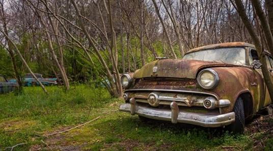 Как выглядит самое старое кладбище автомобилей 1