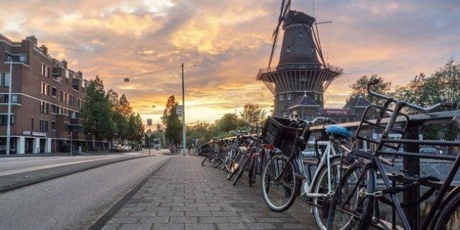 Жителям Амстердама предложили отказаться от автомобилей 1