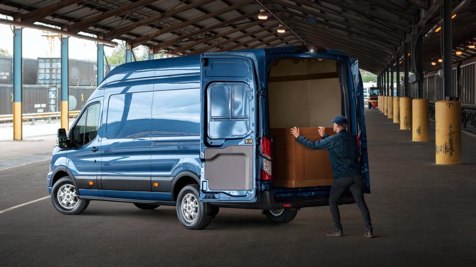 Ford Transit получит новый дизельный мотор и полностью измененный интерьер 2