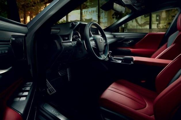 Lexus начал продажи нового ES с противоугонным идентификатором 3