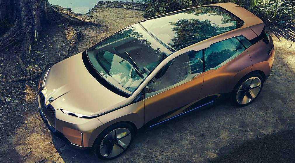 Компания BMW официально рассекретила новый электрокросс 3