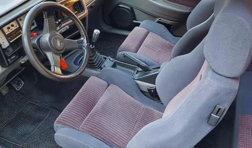 Очень редкий Ford Sierra Cosworth «Wolf» RS500 выставят на торги 3
