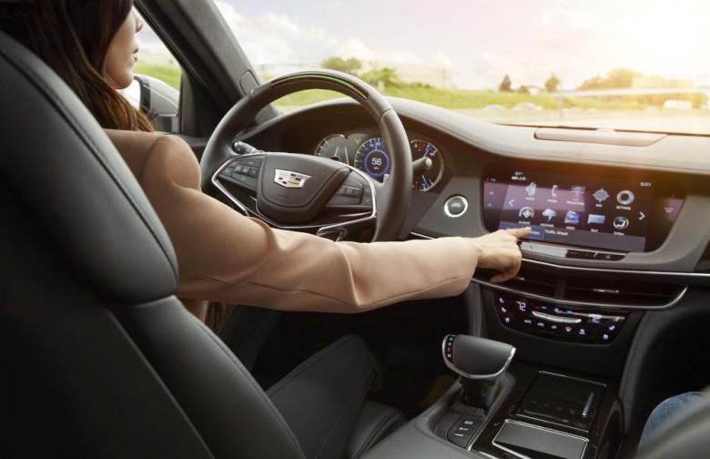 Cadillac CT6 получил инновационную систему полуавтономного вождения 1