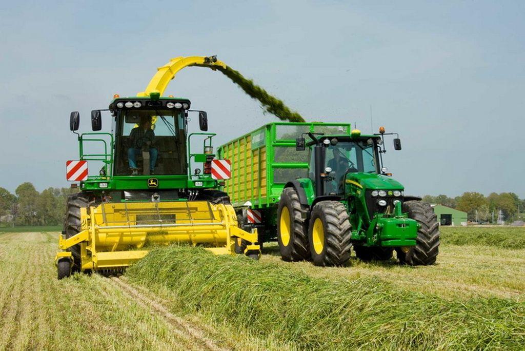 John Deere отмечает 100-летие выпуска первого трактора 4
