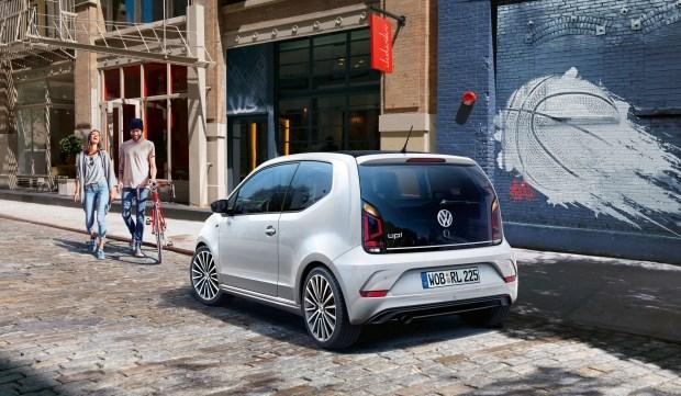 Хэтчбек Volkswagen up! видоизменился в версии R-Line 1