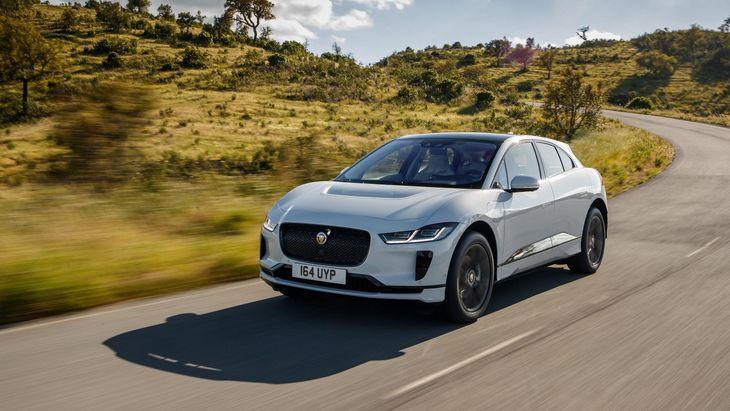 Jaguar продал всего 140 электрических кроссоверов I-PACE в августе 1