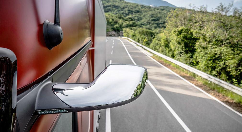 Mercedes-Benz представил полуавтономный грузовик 1