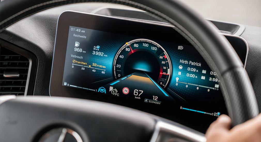 Mercedes-Benz представил полуавтономный грузовик 3