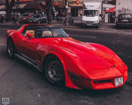 В Украине появился редкий Chevrolet Corvette 1