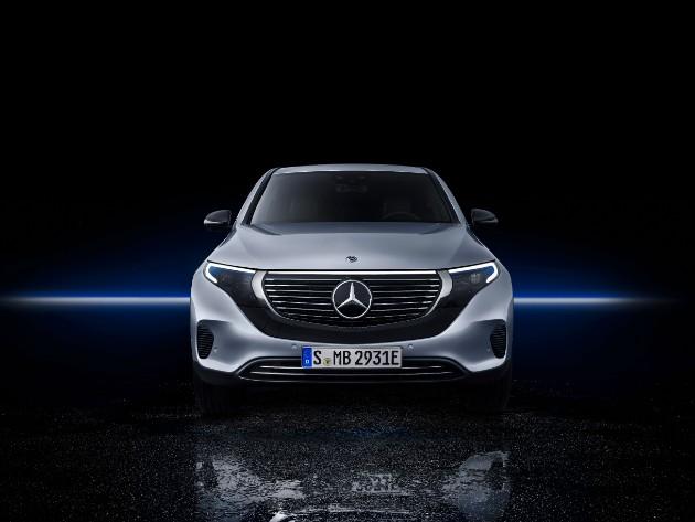 Mercedes-Benz презентовал первый серийный электрокар 1
