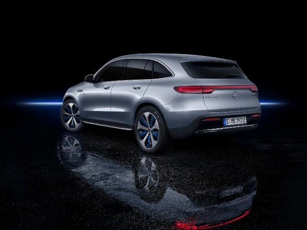 Mercedes-Benz презентовал первый серийный электрокар 3