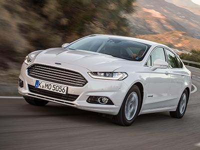 Ford развеял слухи о судьбе популярного седана Mondeo 1