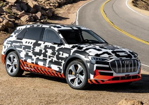 Audi опередила Mercedes и первой запустила в серию новый кроссовер 2