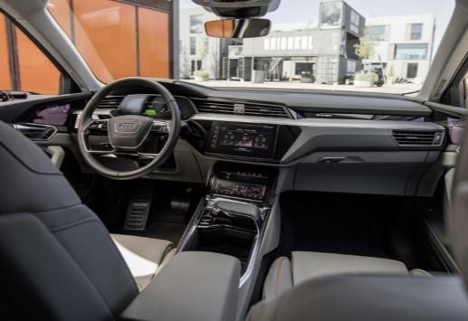 Audi опередила Mercedes и первой запустила в серию новый кроссовер 3