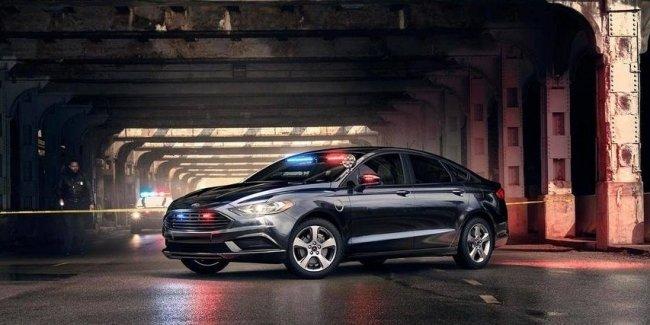 Ford хочет добавить беззвучный режим для полицейских электромобилей 1