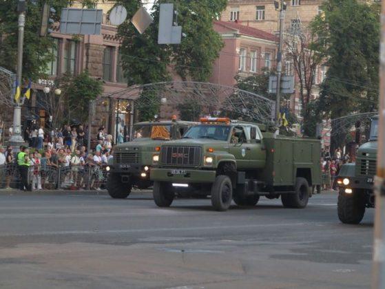 В ВСУ появились американские грузовики GMC TopKick 2