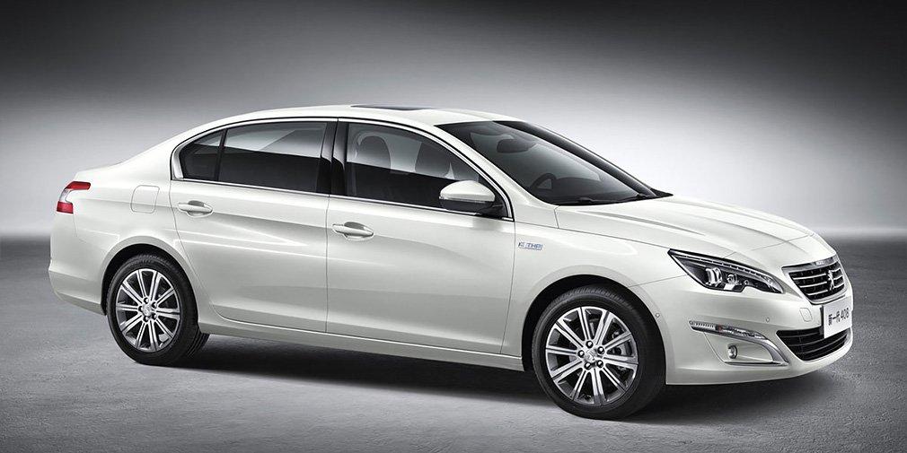 Peugeot обновила седан 408 1