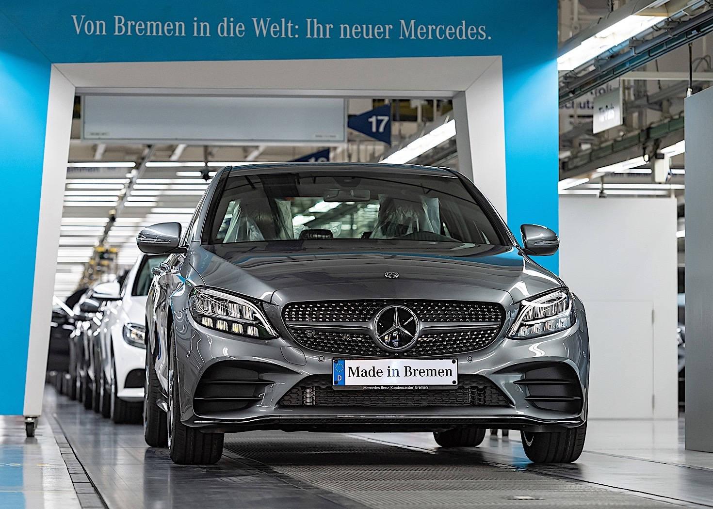 Обновленный Mercedes-Benz C-Class встал на конвейер 1
