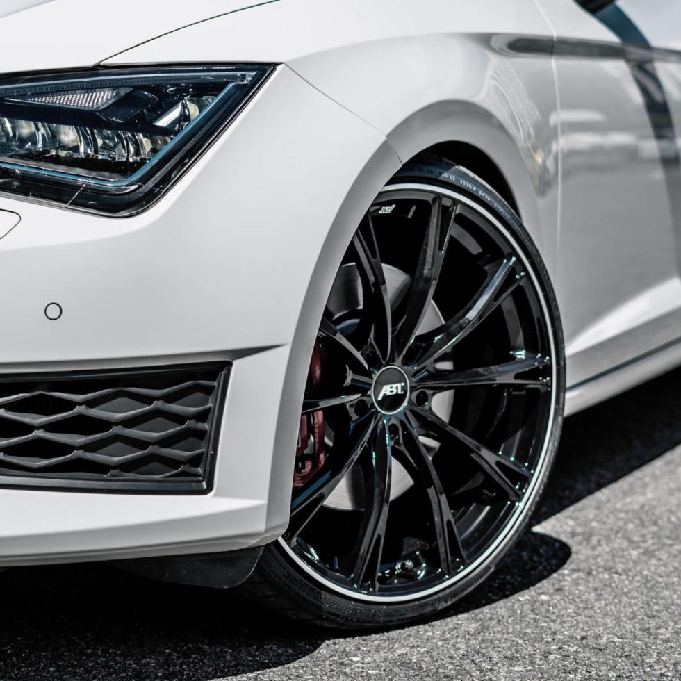 Seat Leon ST Cupra 300 Carbon Edition от ателье ABT получил солидный заряд мощности 2