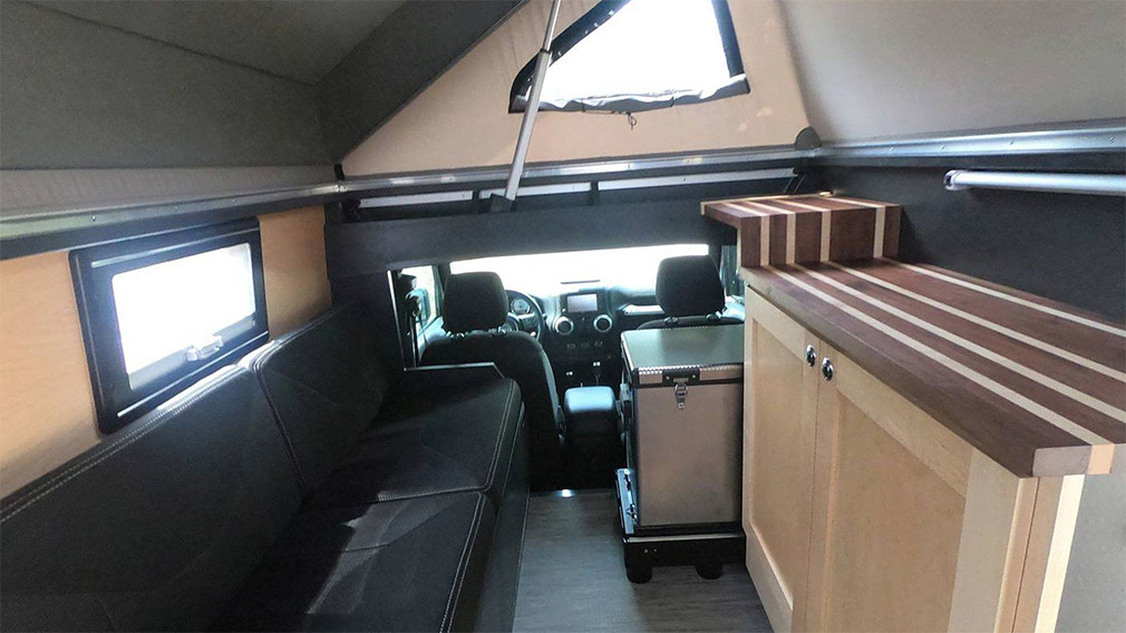 Jeep Wrangler превратили в дом на колесах повышенной проходимости 3