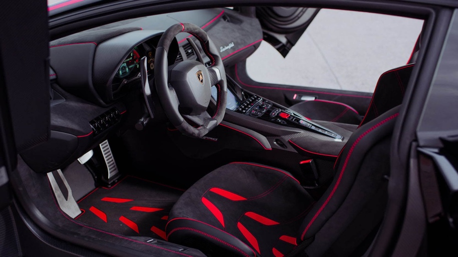 Редкий Lamborghini, выпущенный к 100-летию основателя марки, пустят с молотка 2