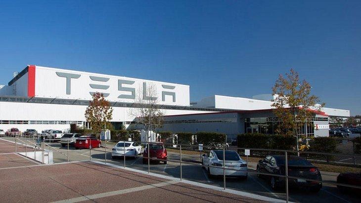 Какой стране достанется завод Tesla 1