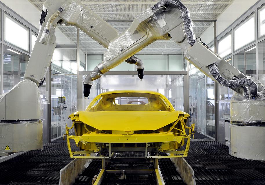 Ferrari внедрила новый способ окраски суперкаров 1