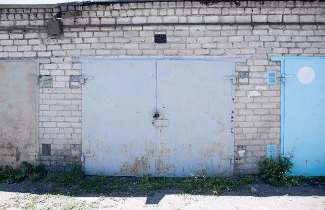 Водителей массово заставляют сносить гаражи 1