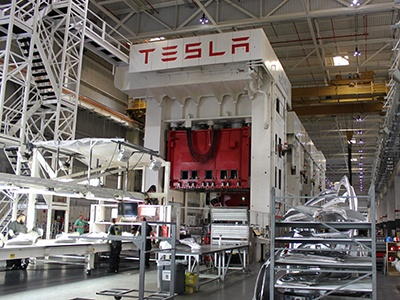 Tesla инвестирует 5 миллиардов долларов в строительство завода в Китае 1