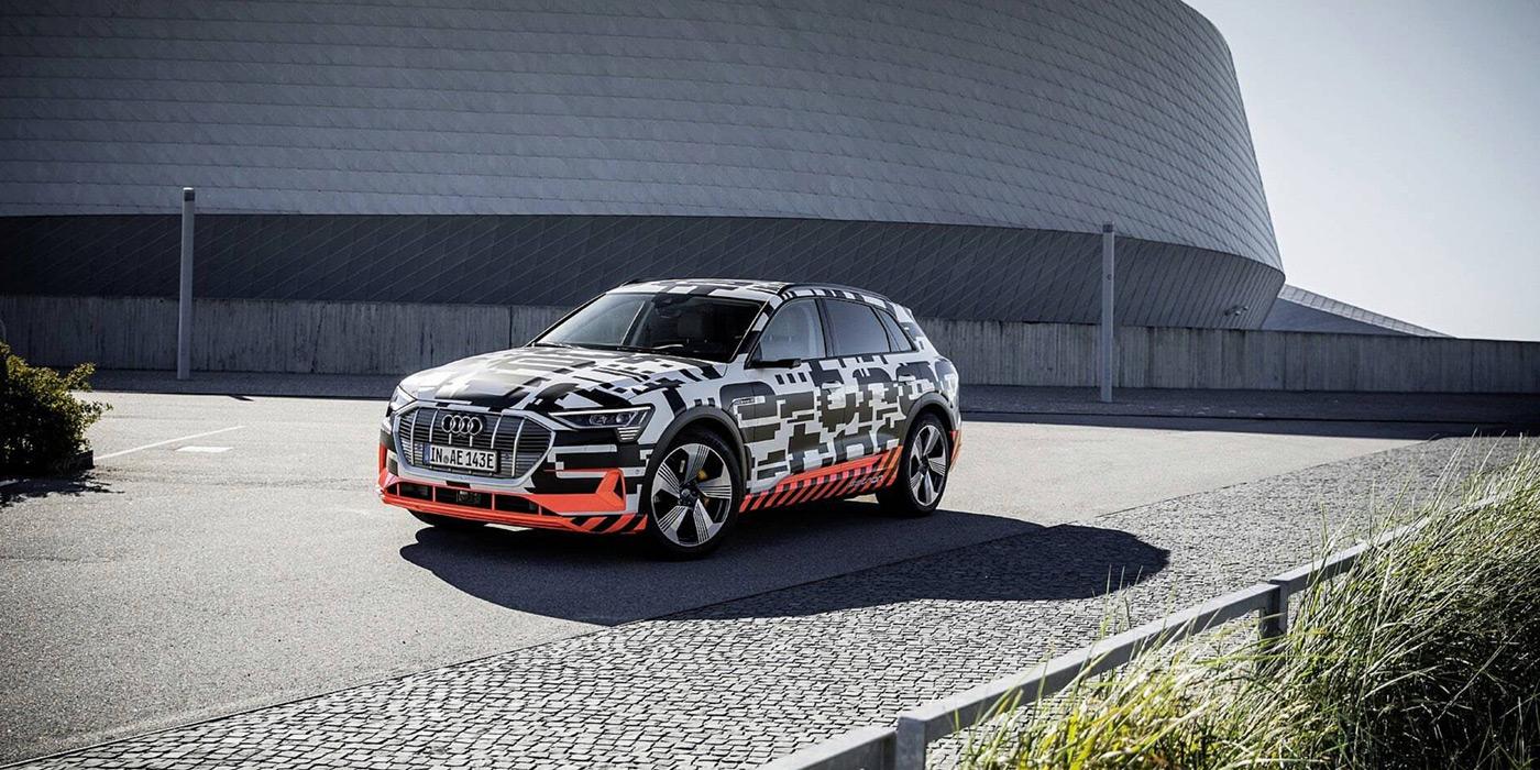 Audi назвала дату премьеры первого электрического кроссовера 1