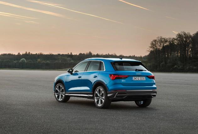 Компания Audi официально презентовала новый Q3 2